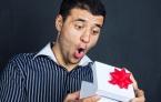 подарки и мужчина